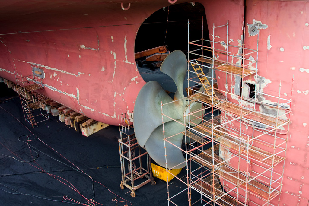 An example of anthropogenic noise is caused by the cavity of the propellers and engines of these giant container vessels.  Photo credit: bartuchna@yahoo.pl