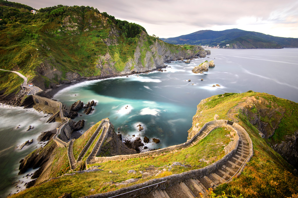 The Basque region has a close relationship with the sea. (Image: Stairs in San juan de Gaztelugatxe. Basque Country)